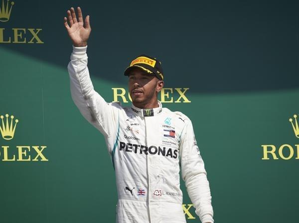 Lewis Hamilton hat seinen Vertrag bei Mercedes verlängert