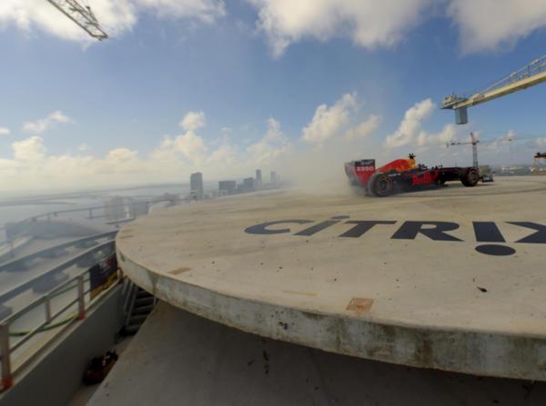 Donuts in über 200 Metern Höhe: Da darf