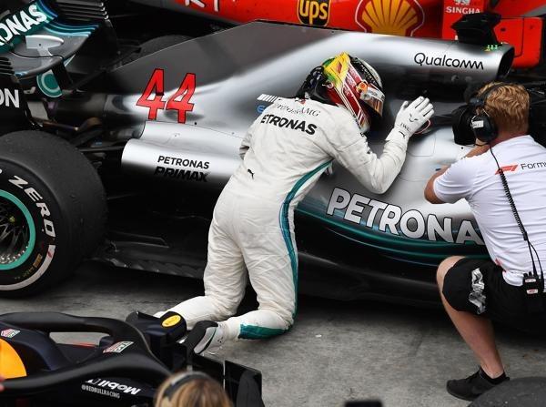 Lewis Hamilton weiß genau, warum er nach dem Rennen sein Auto umarmte