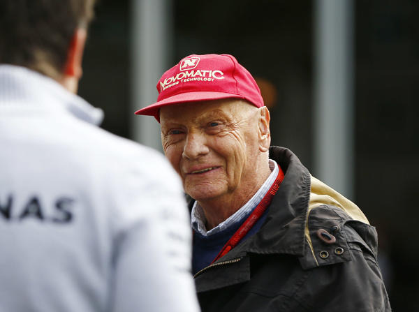 Niki Lauda befindet sich nach hartem Kampf auf dem Weg der Besserung